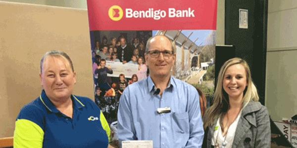 Lysa Smart, Geoff Vickers (Bendigo Bank Community Enterprise) and Amy Sheridan