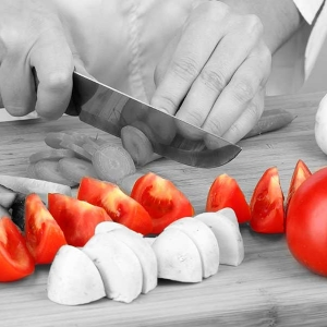 Use hygienic practices in food safety