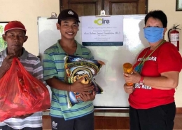 Donation provides C-19 relief for Balinese families